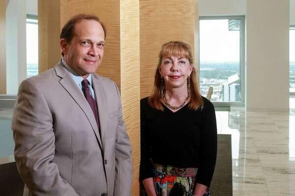 Attorneys Robin Fredrickson and Jeff Munoz of Latham & Watkins.
