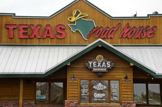 Click through the slideshow to find 2019 Veterans Day free meals, discounts, sales and deals   Texas RoadhouseMultiple Houston-area locations Date: Monday, Nov. 11, 2019  Texas Roadhouse will be giving away Veterans Day free meals for lunch on Monday, November 11, 2019, to active, former, or retired military. Photo: Danny Zaragoza