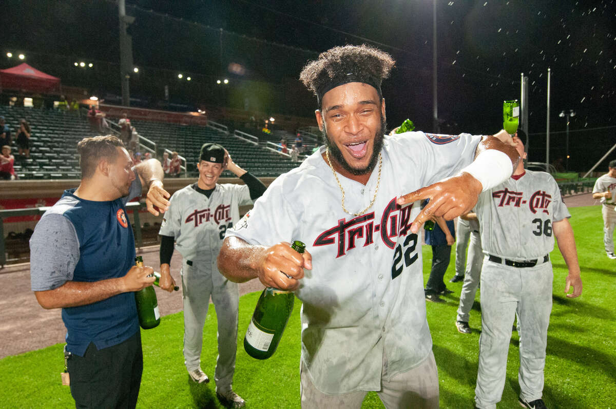 Tri-City ValleyCats first baseman Luis Encarnacion (22) hit the tying HR in the division-clinching win over Lowell. (John Corneau/Lowell Spinners)