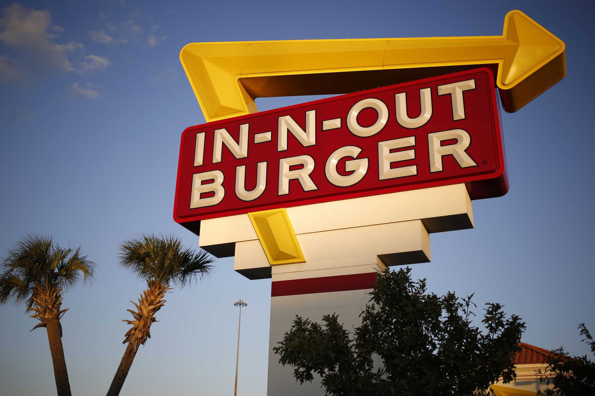 Review: Beloved but overrated In-N-Out represents Southern California at its absolute worst