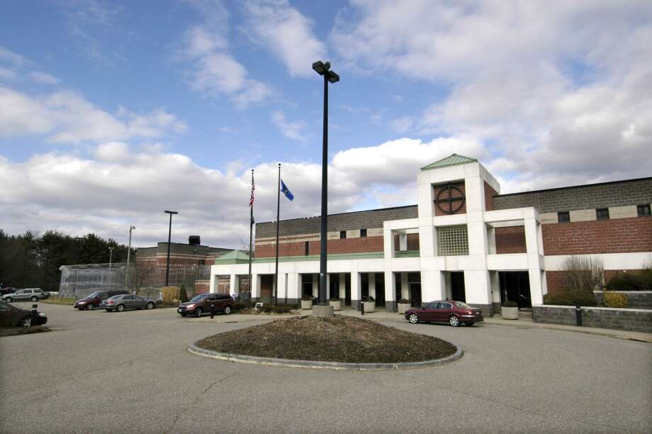 Garner Correctional Institution in Newtown. Photo: Carol Kaliff / Hearst Connecticut Media / The News-Times