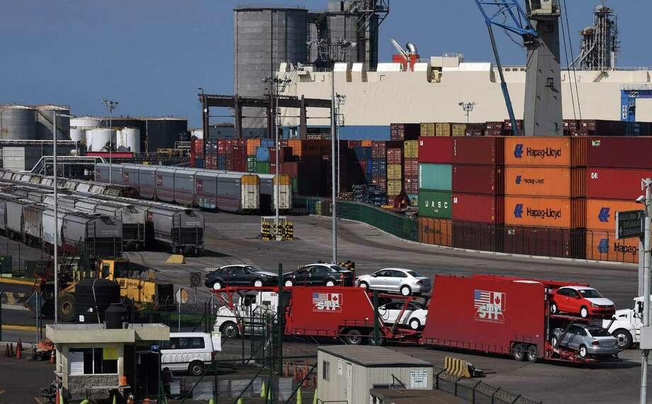 Picture taken at the Port of Veracruz, Mexico on Aug. 27. Mexican President-elect Andres Manuel Lopez Obrador called Monday for a three-way trade deal with the United States and Canada, saying a two-way agreement reached with the US was just a first step. But Trump just said the U.S. is completing a deal solely with Mexico. Photo: VICTORIA RAZO /AFP /Getty Images / AFP or licensors