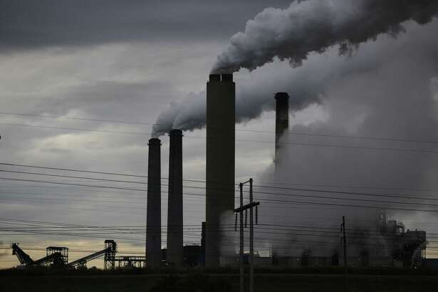 The Big Rivers Electric Corporation power plant in Robards, Ky., May 27. The Trump administration on Aug. 21 made public the details of its new pollution rules governing coal-burning power plants, and the fine print includes an acknowledgment that the plan would increase carbon emissions and lead to up to 1,400 premature deaths annually.