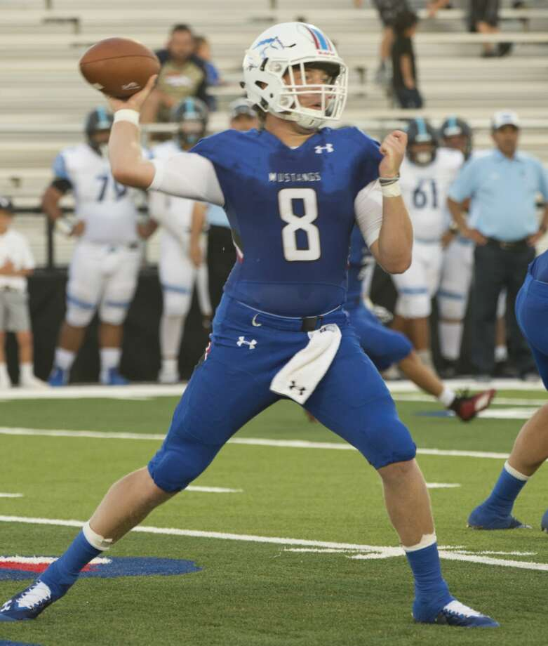 Midland Christian's Riggs McDonald looks to pass 08/31/18 against El Paso Chapin at Gordon Awtry Field. Tim Fischer/Reporter-Telegram Photo: Tim Fischer/Midland Reporter-Telegram
