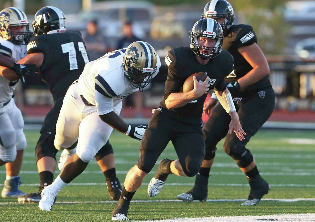 Knight quarterback Wyatt Begeal sprints into the open field in the first quarter as Steele hosts O'Connor at Lehnhoff Stadium on August 31, 2018.