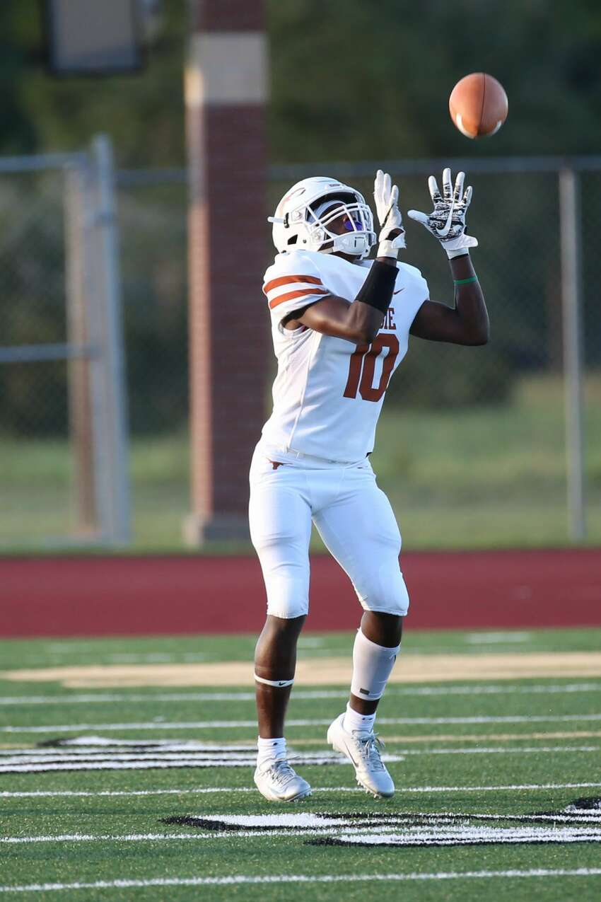 August 31, 2018: Dobie Longhorns Dontavion Crosby catches the punt return during the high school football game between the Dobie Longhorns and Santa Fe Indians in Santa Fe, Texas. (Leslie Plaza Johnson/For the Chronicle)