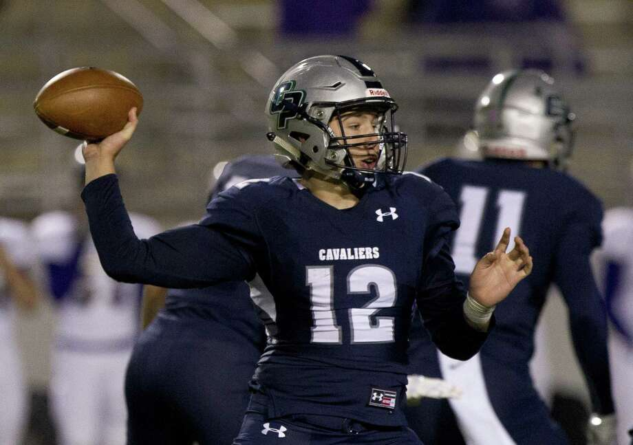 College Park quarterback Jake Hunnicutt threw a pair of touchdown passes against Aldine Davis on Friday in the Cavaliers' 31-0 victory. Photo: Jason Fochtman, Staff Photographer / Houston Chronicle / © 2017 Houston Chronicle
