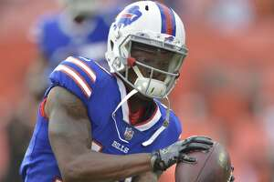 Buffalo Bills wide receiver Corey Coleman (19) warms up before an NFL football preseason game against the Cleveland Browns, Friday, Aug. 17, 2018, in Cleveland. Buffalo won 19-17. (AP Photo/David Richard)