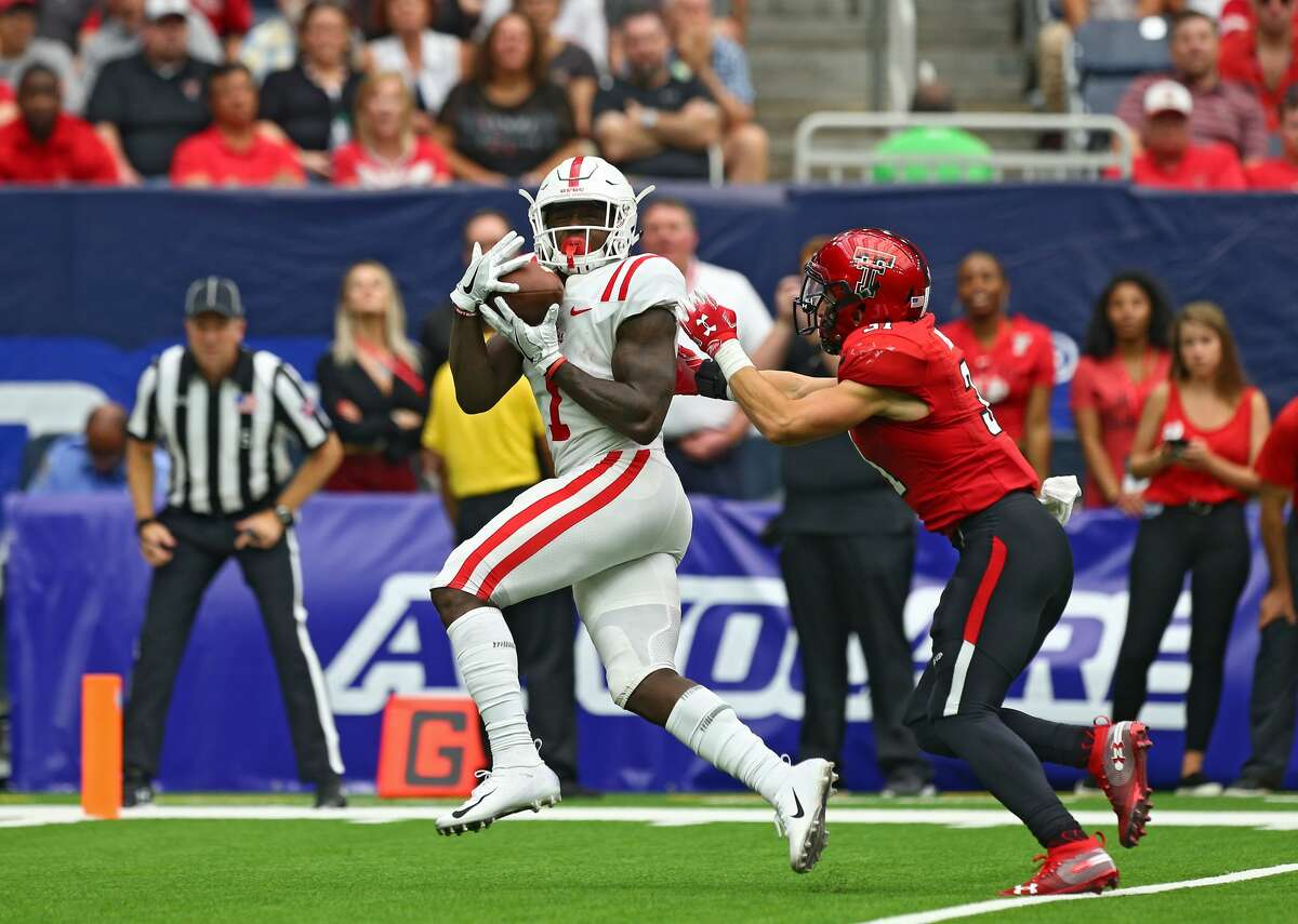A.J. Brown, Ole Miss  As I mentioned in my Senior Bowl piece, Brown would be a logical option as the Seahawks' future at slot receiver. Doug Baldwin, of course, is one of a kind, but Brown is a lot bigger than him -- listed at 6 feet, 206 pounds -- with the strength and quickness to be effective from Day 1.  With a baseball background behind him (he was drafted by the San Diego Padres in the 2016 amateur draft as an outfielder), Brown has the hand-eye coordination and ball-tracking ability of a strong pass catcher. Scouts say he's a good route runner who's great in after-the-catch situations.  Brown recorded at least 1,200 yards in consecutive seasons at Ole Miss.