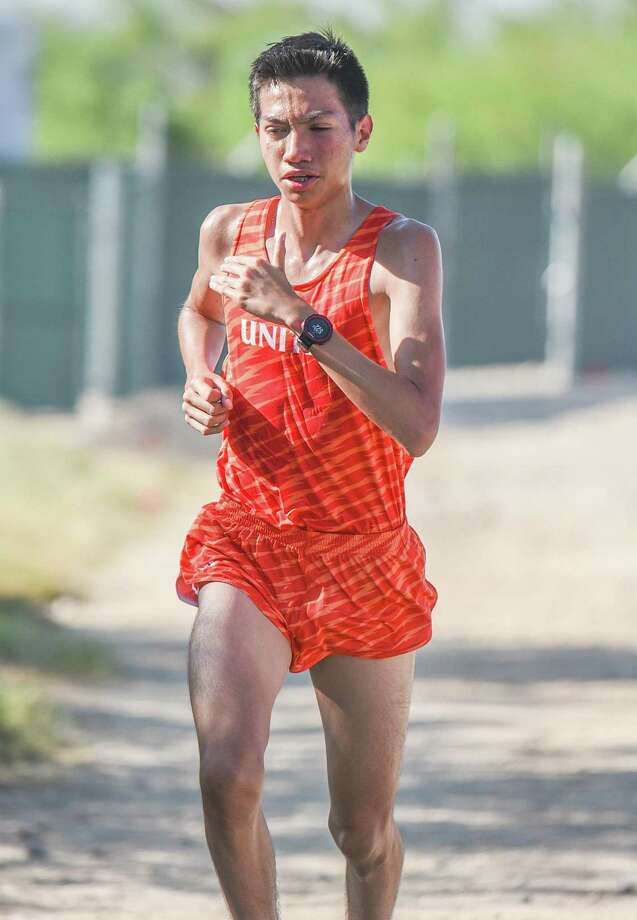 United High School Marcos Munoz leads the boys cross country race during the TAMIU Cross Country Invitational on Saturday, Sep. 1, 2018, at TAMIU. Munoz went on to finish first. Photo: Danny Zaragoza /Laredo Morning Times File
