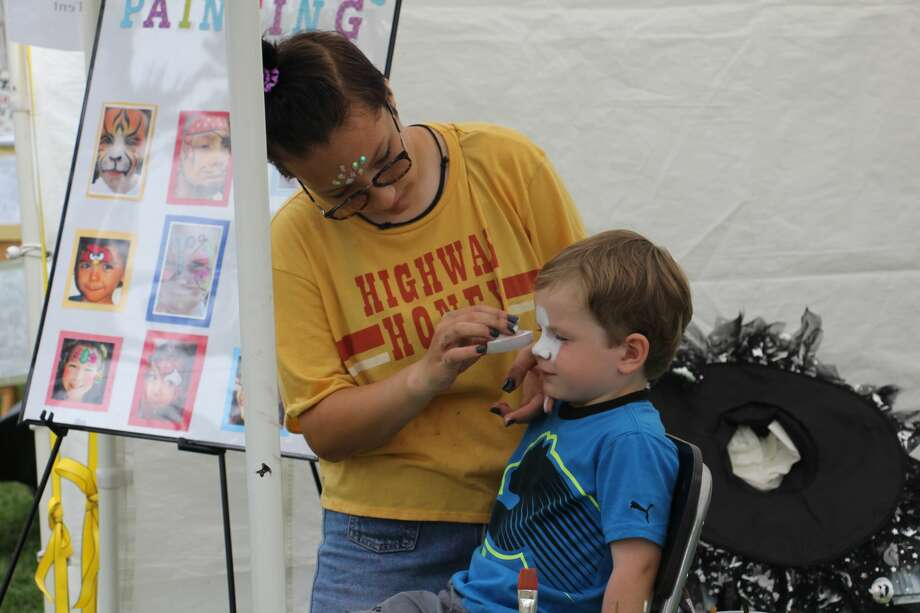 Dozens of artists, from all over the state, displayed their masterpieces Labor Day Weekend during the annual Art in the Park in Port Austin. Photo: Bradley Massman/Huron Daily Tribune