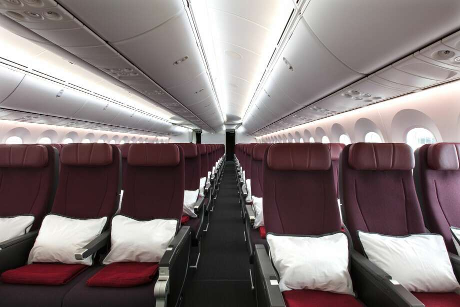 Qantas Airways Boeing 787-9 Dreamliner Economy cabin configured 3-3-3. Courtesy Qantas Airways. Photo: Brent Winstone, Qantas