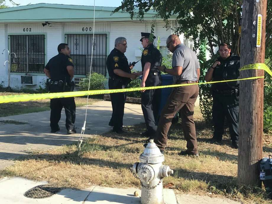 San Antonio Police say there were four victims in a shooting about 4 p.m. Sunday Sept. 2, 2018 in the 600 Block of Morningview Street. Photo: Alexandro Luna
