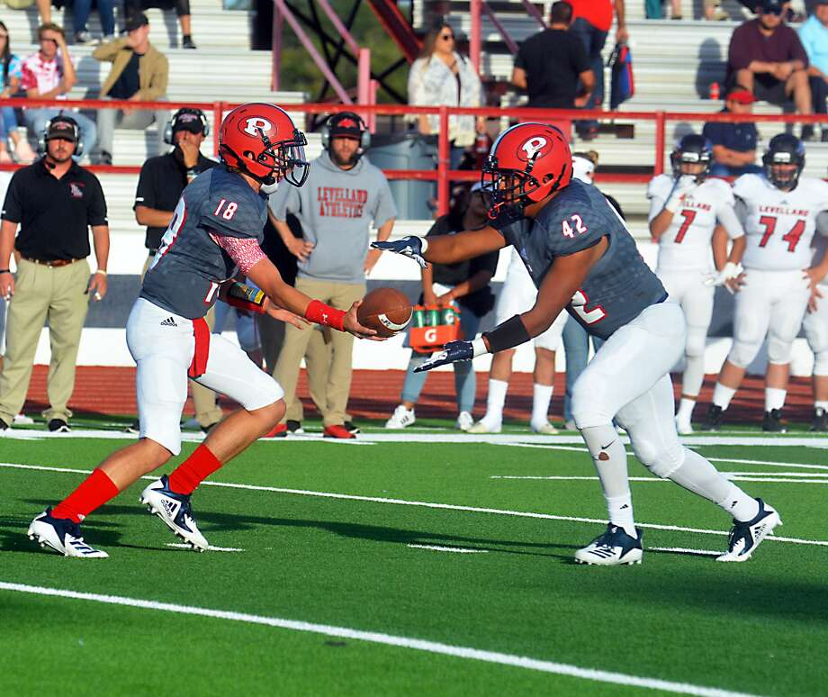 The Plainview Bulldogs football team played the Levelland Lobos in the season home opener on Friday at Greg Sherwood Stadium. The Lobos won, 36-0. Photo: Alexis Cubit/Plainview Herald