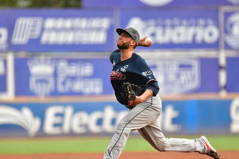 Starting pitcher Alex Sanabia was hit for five runs and lasted only 0.2 innings as the Tecolotes Dos Laredos were blown out 16-2 at first-place Acereros de Monclova on Sunday night. It was their second-largest defeat of the season. Photo: Courtesy Of The Tecolotes Dos Laredos