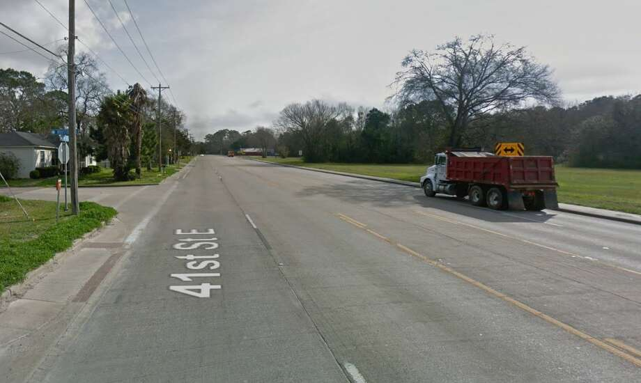 Google Street View image of Houston Avenue and 41st Street, or FM 517, in Dickinson, where two people were struck and killed by a vehicle. Photo: Google Street View
