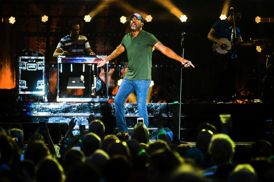 Darius Rucker performs during the Summer Plays On Tour with Lady Antebellum on Sunday, Sept. 3, 2018 at Soaring Eagle Casino and Resort. (Katy Kildee/kkildee@mdn.net) Photo: (Katy Kildee/kkildee@mdn.net)