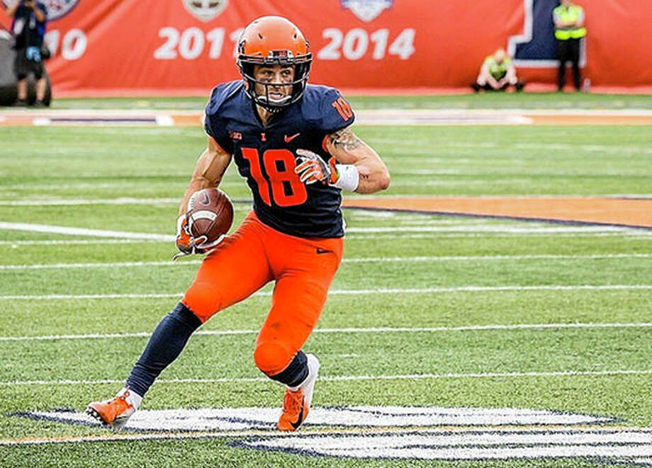 Illinois wide receiver Mike Dudek, shown in action Saturday against Kent State, will miss the rest of the season because of a knee injury sustained in the game. It is the third season-ending injury of his college career. Photo: Illinois Athletics