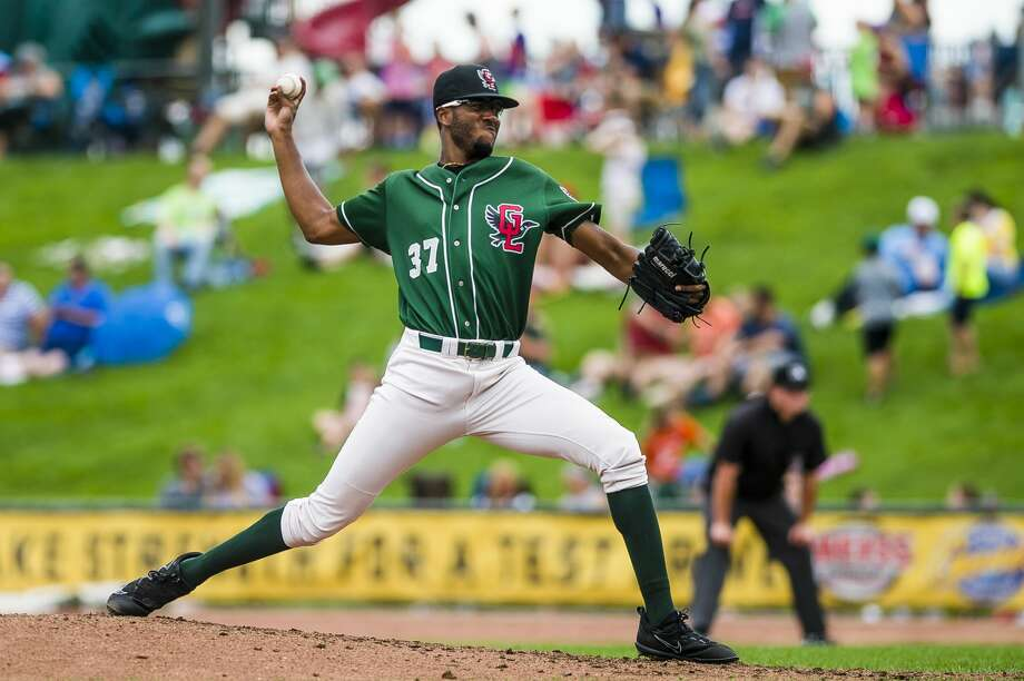 Loons pitcher Mark Washington pitches the ball during a game against the South Bend Cubs on Monday, Sept. 3, 2018 at Dow Diamond. (Katy Kildee/kkildee@mdn.net) Photo: (Katy Kildee/kkildee@mdn.net)