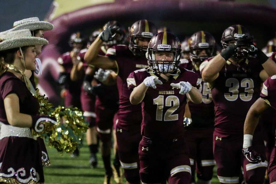 Magnolia West's Payton Finch is pictured as the Mustangs take the field during the varsity football game against Brenham on Friday, Sept. 29, 2017, at Magnolia West High School. (Michael Minasi / Houston Chronicle) Photo: Michael Minasi, Staff Photographer / Houston Chronicle / © 2017 Houston Chronicle