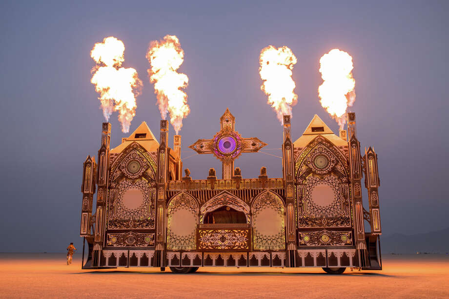 these photographers want you to see what burning man 2018. Black Bedroom Furniture Sets. Home Design Ideas