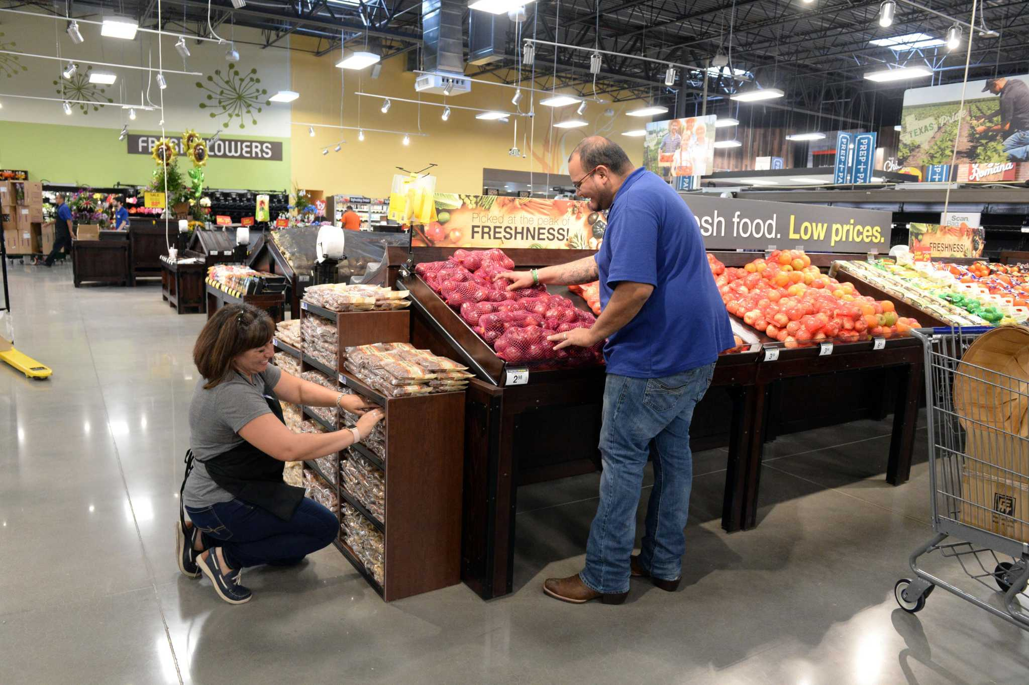 Kroger to give grants for innovative ideas on preventing food waste