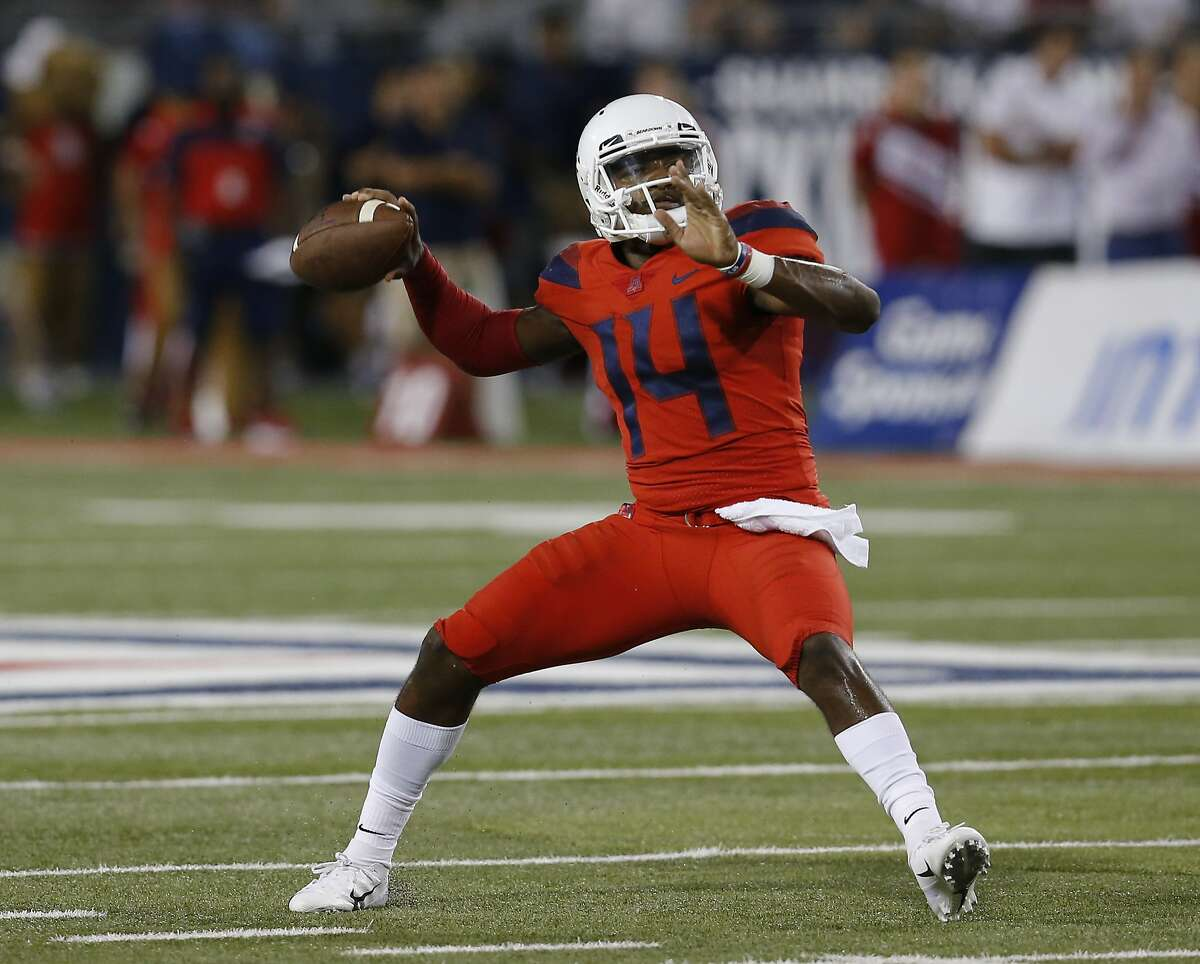 Quarterback Returning for 2019 is dynamic dual-threat signal caller Khalil Tate. The senior's 2018 season was a step down from his explosive 2017 debut - Tate posted just 224 yards rushing against 1,411 the year prior. While his passing numbers increased by nearly 1,000 yards, he completed a lackluster 56 percent of his throws.  If Arizona's debut against Hawaii last week was any indication though, Tate looks like his ground game will be back in a big way: he rushed for 108 yards on 13 carries, good for 8.3 YPC. His passing was still spotty though, with the California native completing under 60 percent of his attempts and throwing a pair of interceptions along with his three touchdowns. If UW can stuff his efforts to control the ground game, they'll be able to highlight his deficiencies as a passer in a major way.