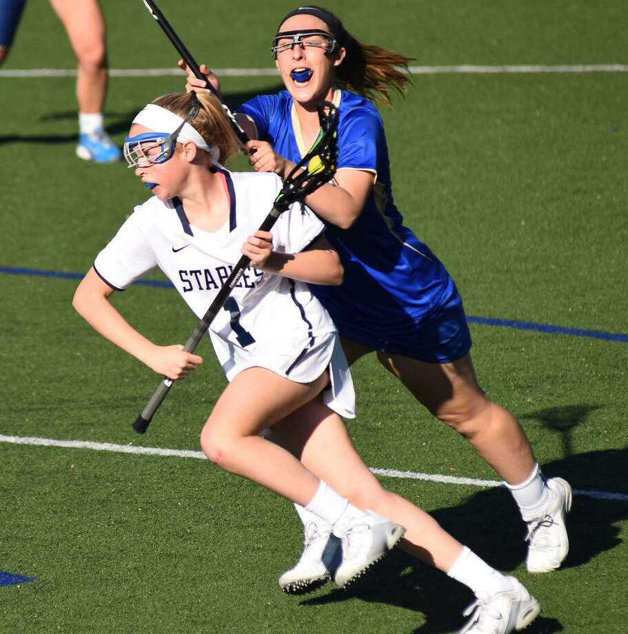 Staples senior Elle Fair will be a co-captain for the Wreckers this season. Photo: John Nash / Hearst Connecticut Media / John Nash/Hearst Connecticut media
