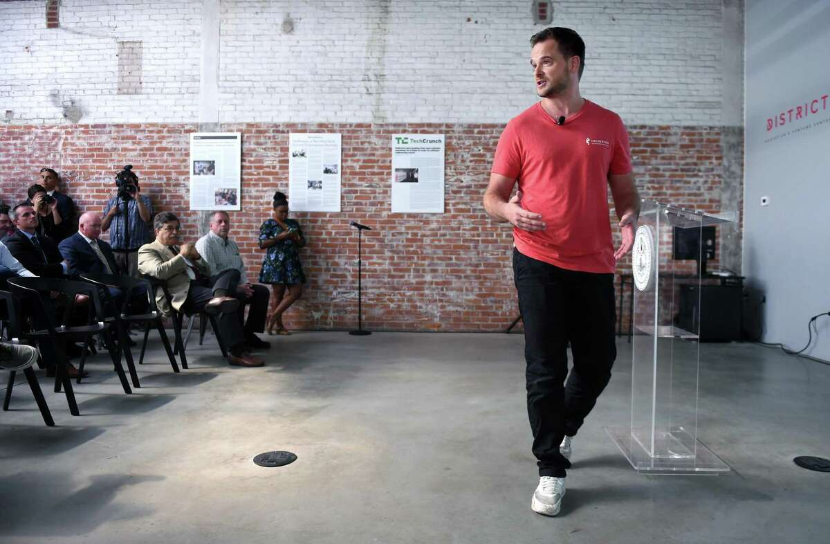 Julien Barbier (right) co-founder and CEO of the Holberton School, talks about a second branch of the school that is planning to open in January 2019 at the District Innovation and Venture Center in New Haven to train software engineers on September 4, 2018.
