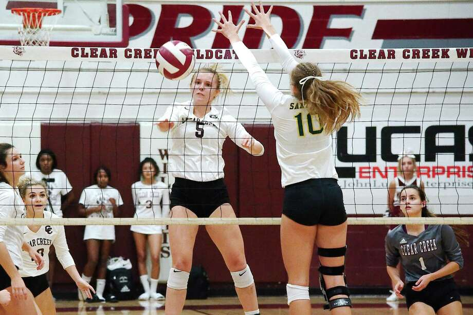 Clear Creek's Riley Brantley (5) hits a shot past Santa Fe's Jillian Gibbs (10) Tuesday at Clear Creek High School. Photo: Kirk Sides / Houston Chronicle / © 2018 Kirk Sides / Houston Chronicle