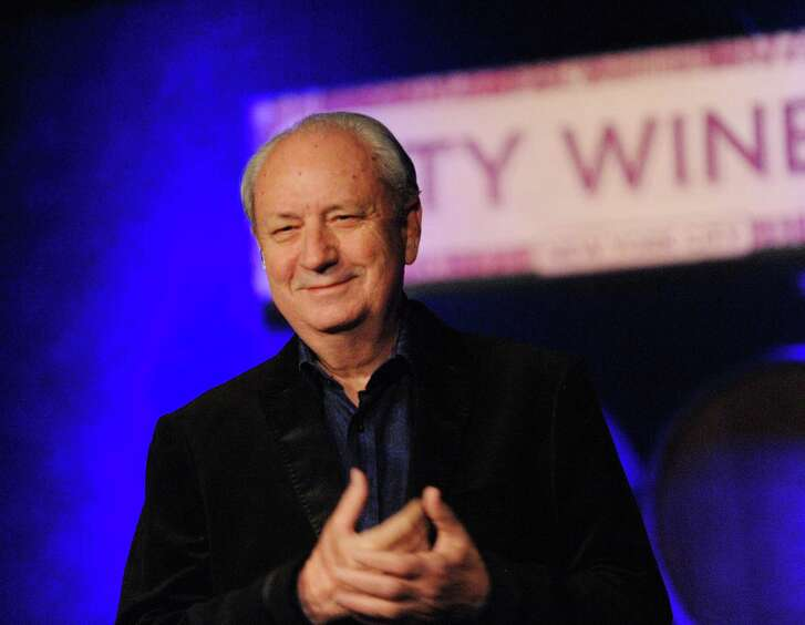 Michael Nesmith performs onstage.