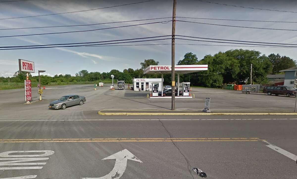 A supermarket is being planned for Route 9W in Glenmont on the current site of the Petrol gas station. Gordon Cos. of Albany plans to redevelop the site to include a 23,000-square-foot supermarket, which is about the same size as a Fresh Market.