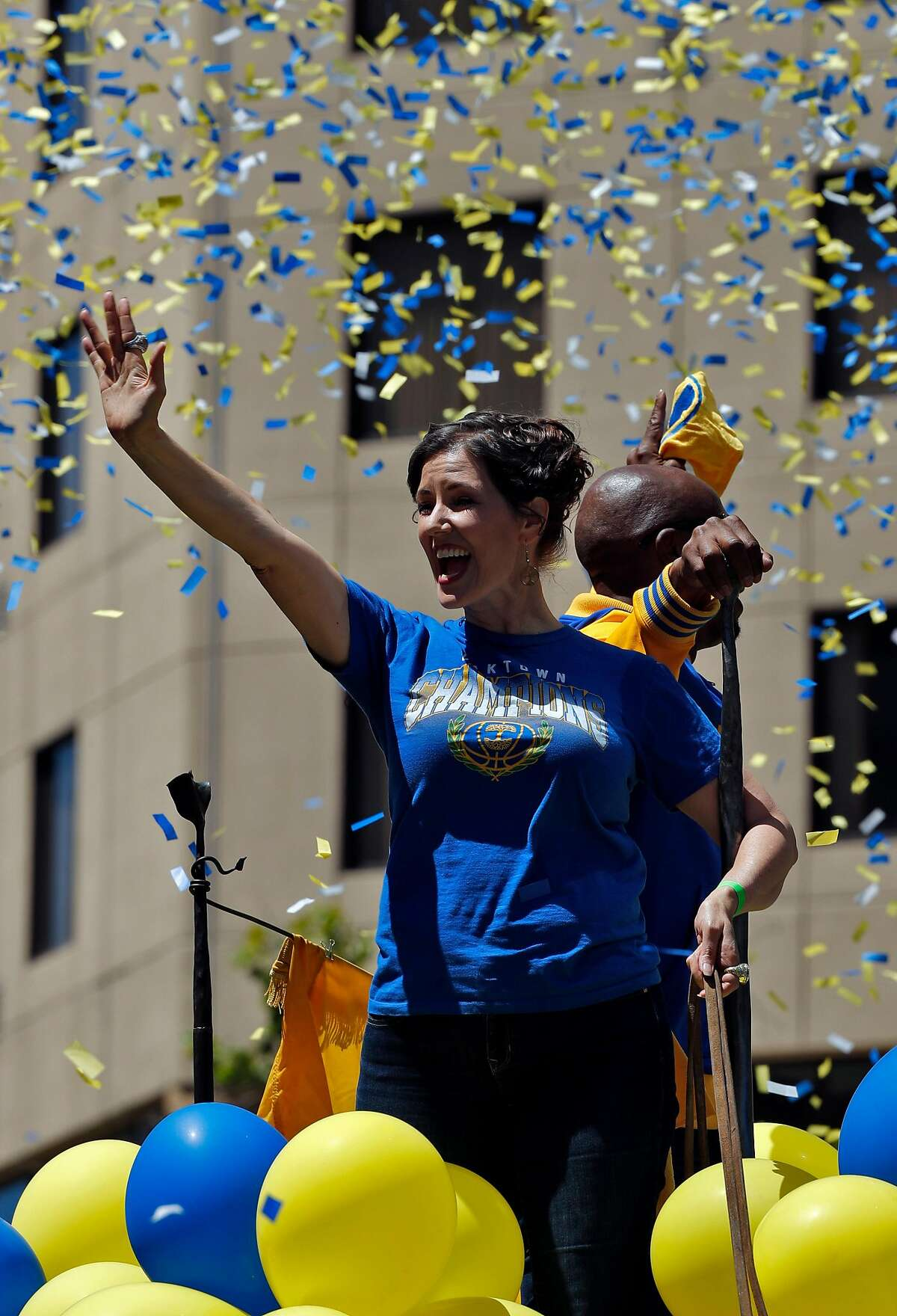 Oakland Mayor Libby Schaaf and MC Hammer take part in the Golden State Warriors NBA Championship parade in Oakland, Calif., on Tuesday, June 12, 2018.
