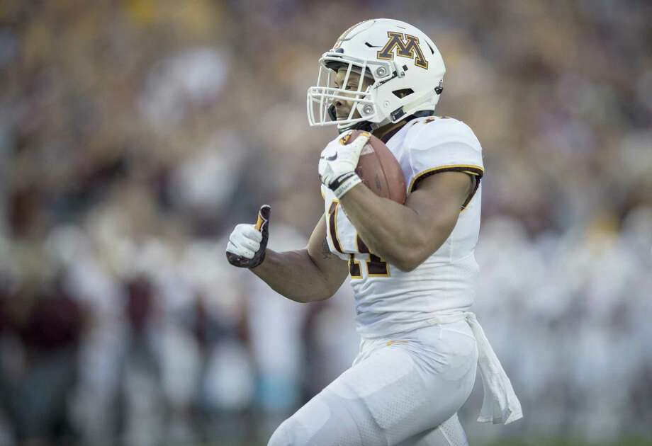Minnesota's Antoine Winfield Jr. breaks away from the New Mexico State defense to return the ball 76 yards for a touchdown in the second quarter at TCF Bank Stadium in Minneapolis on Thursday, Aug. 30, 2018. (Elizabeth Flores/Minneapolis Star Tribune/TNS) Photo: Elizabeth Flores, MBR / TNS / Minneapolis Star Tribune