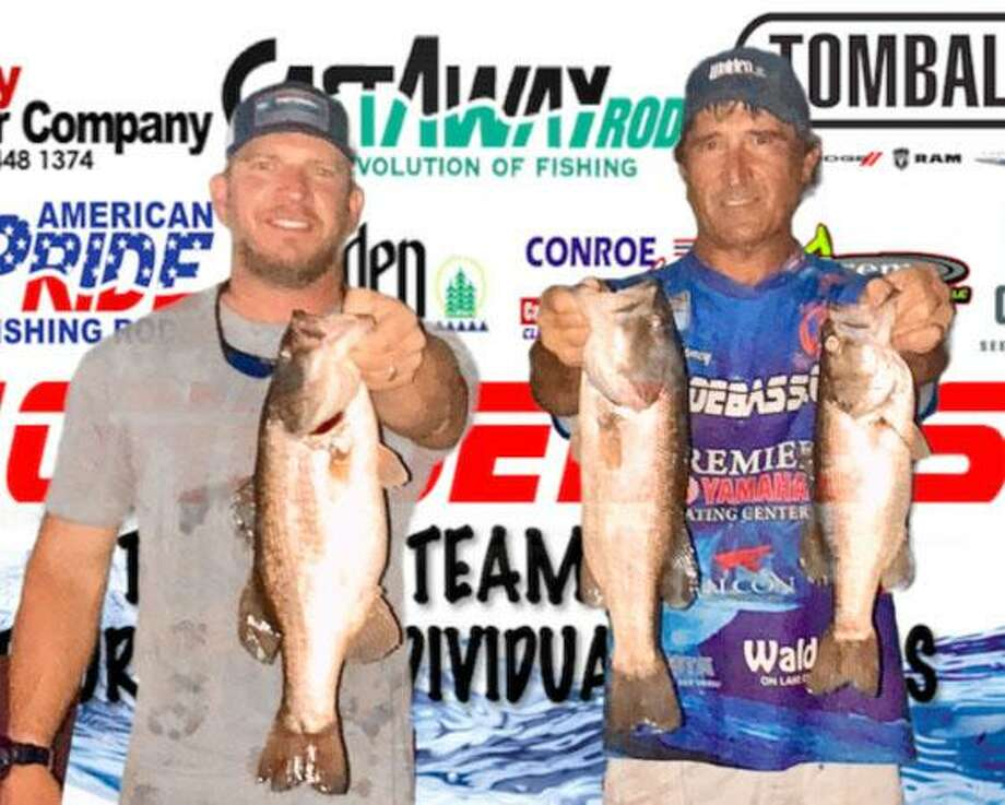 Robert Baney and Brandon Wilson won the CONROEBASS Tuesday Tournament with a stringer total weight of 9.50 pounds. Photo: CONROEBASS