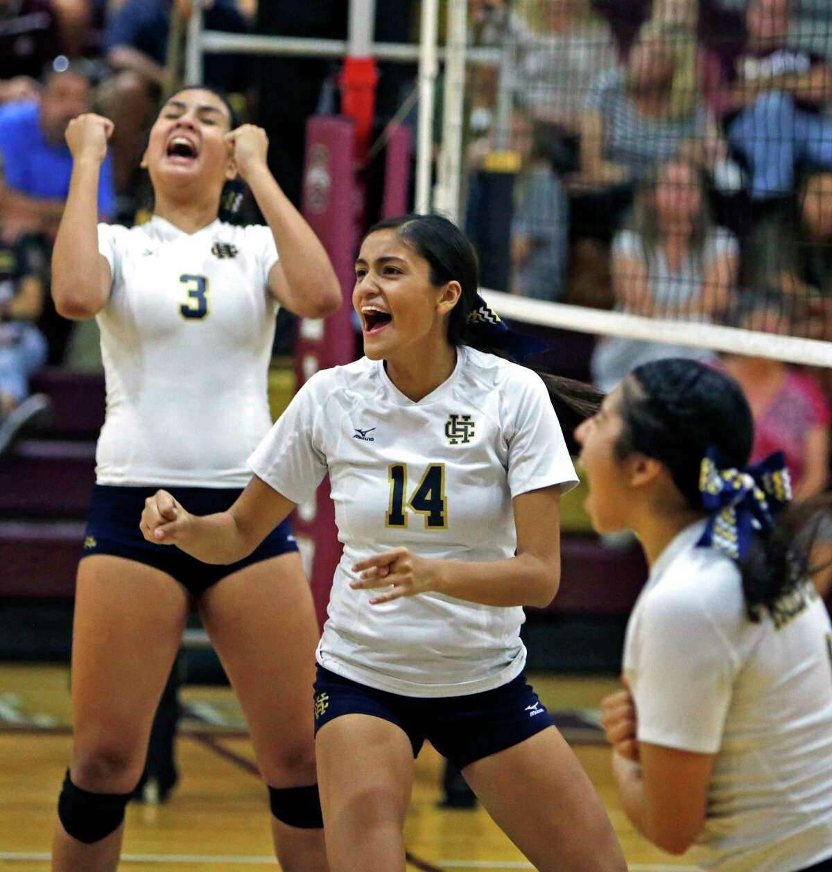 Noelia Rocha: Jefferson volleyball: 27 kills, 8 aces, 14 digs combined in wins over Medina Valley and Alamo Heights