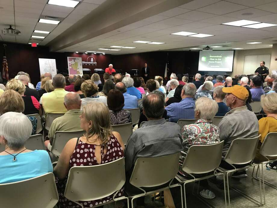 Shenandoah hosted a standing room only crowd to discuss the thoroughfare plan and updates on the installation of Tachus fiber to home internet. Photo: Photographed By Marialuisa Rincon