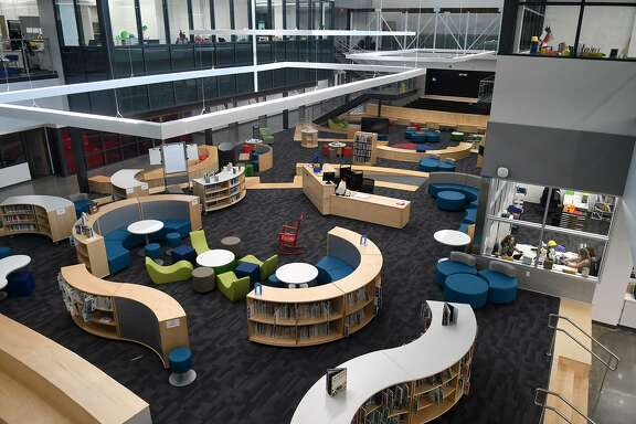 The commons area at Falcon Ridge Elementary provides unique design and seating options for Huffman ISD students.