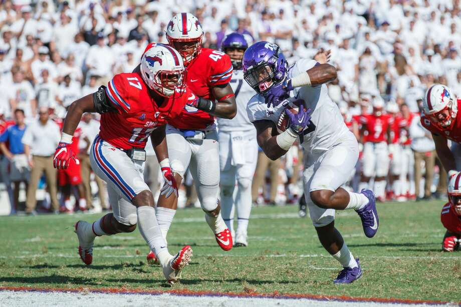 FORT WORTH, TX - SEPTEMBER 16: TCU Horned Frogs running back Darius Anderson (#6) runs into the end zone as SMU Mustangs linebacker Jordon Williams (#17) closes in during the college football game between the SMU Mustangs and the TCU Horned Frogs on September 16, 2017 at Amon G. Carter Stadium in Fort Worth, Texas.  TCU won the game 56-36.  (Photo by Matthew Visinsky/Icon Sportswire via Getty Images) Photo: Icon Sportswire/Icon Sportswire Via Getty Images