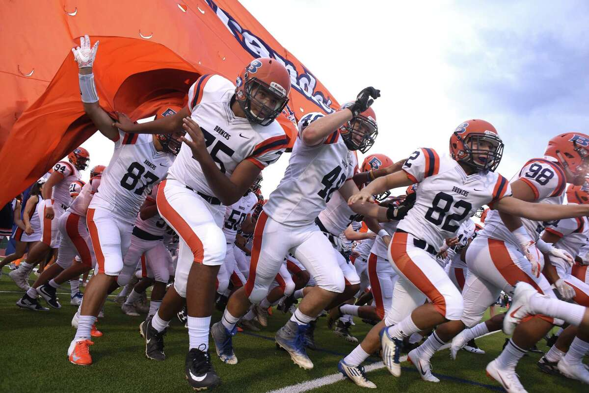 9. BRANDEISRecord: 5-2How they fared:Defeated Holmes 48-21