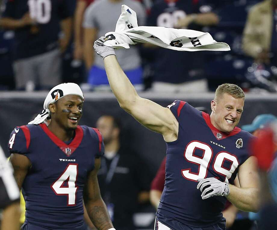 PHOTOS: Projected win totals for each NFL team in 2019