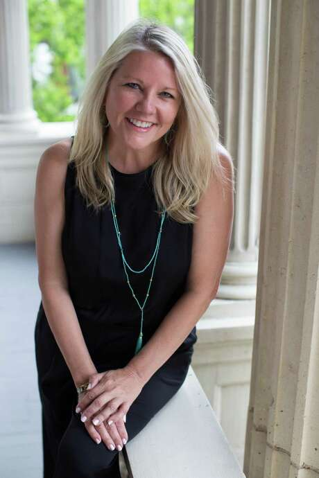 Melissa Ward Aguilar, Houston Chronicle senior editor for features