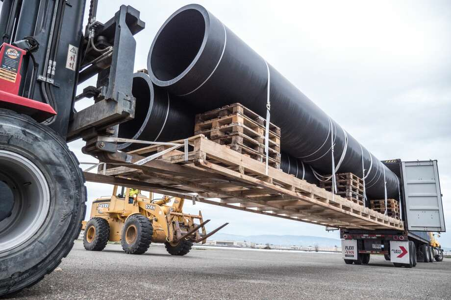A 2,000-foot-long, garbage-collecting tube will be carried out into San Francisco Bay, through the Golden Gate and into the Pacific Ocean on Sept. 8, 2018. The Ocean Cleanup program aims to deal with the plastic mess in the world's oceans. Photo: Courtesy Ocean Cleanup