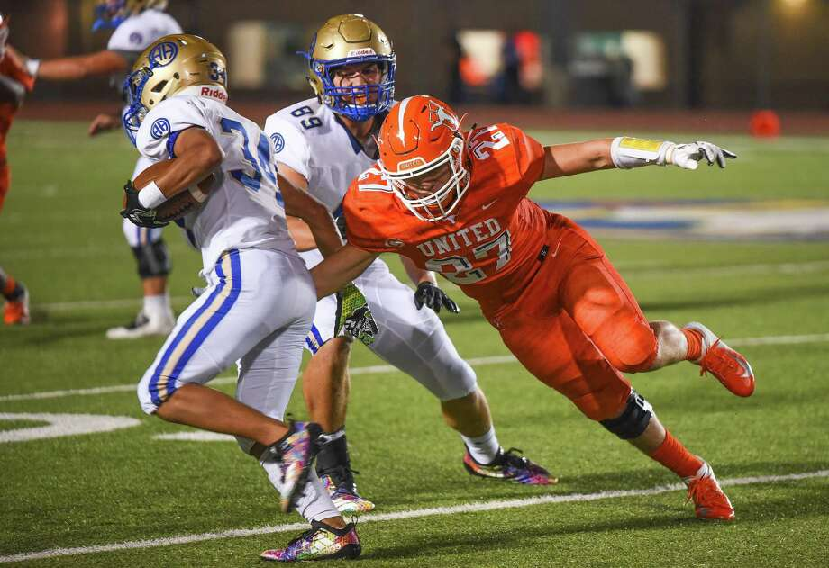 United High School takes on Alamo Heights High School on Friday, Sept. 7, 2018, at the Bill Johnson Student Activity Complex. Photo: Danny Zaragoza, Staff Photographer / Laredo Morning Times