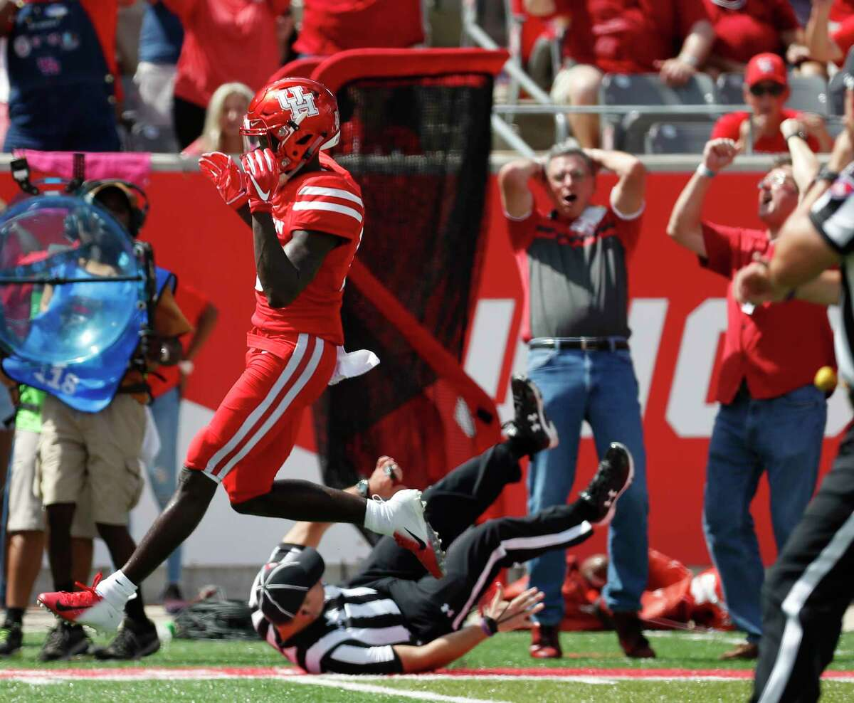 Houston Cougars wide receiver Marquez Stevenson (5) reacts after failing to catch a pass during the first half of a college football game at TDECU Stadium, Saturday, September 8, 2018, in Houston.