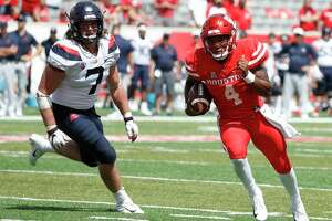 Houston Cougars quarterback D'Eriq King (4) runs the ball in for the final touchdown during the second half of a college football game at TDECU Stadium, Saturday, September 8, 2018, in Houston.