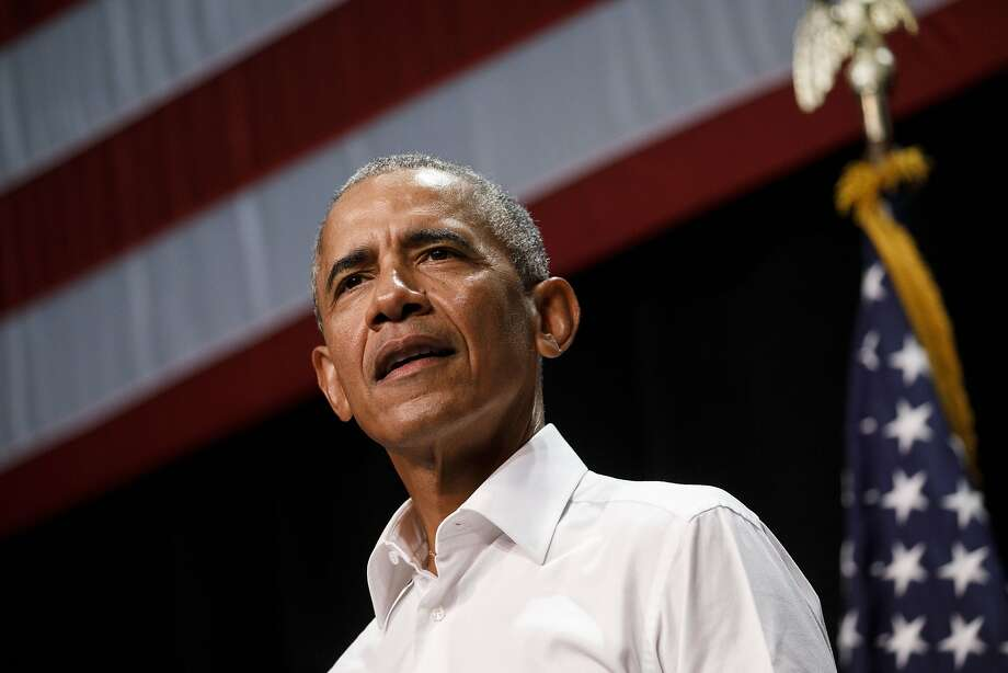 Former U.S. President Barack Obama speaks during a campaign rally in Anaheim, California. Photo: Patrick T. Fallon, Bloomberg