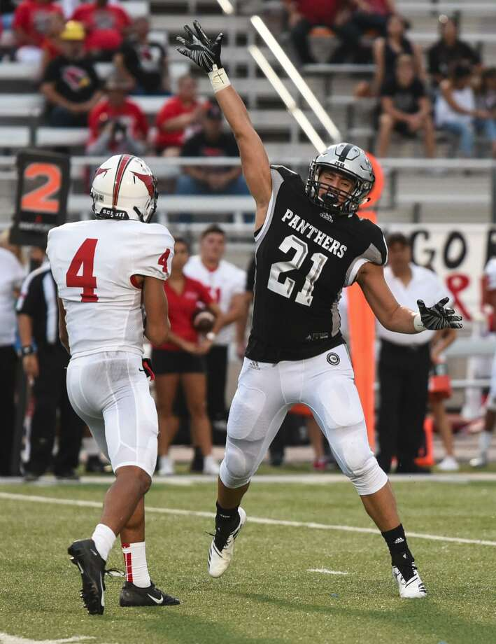United South High School Oscar Cisneros Jr. attempts to block a pass during a game against Harlingen High School on Saturday, Sept. 8, 2018, at the Bill Johnson Student Activity Complex. Photo: Danny Zaragoza /Laredo Morning Times