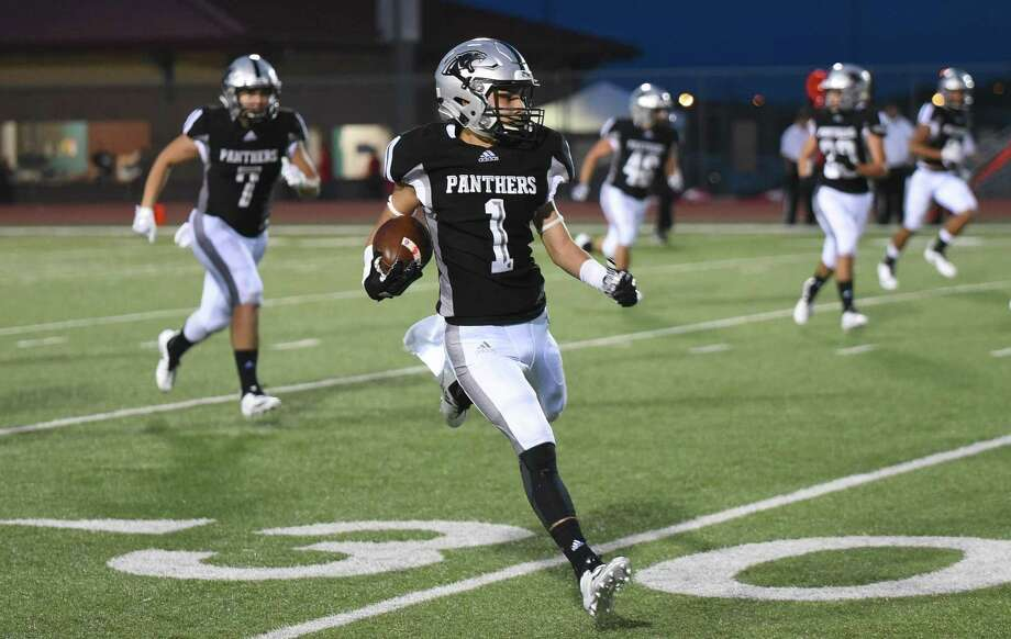 United South High School Toby Cisneros runs the ball during a game against Harlingen High School on Saturday, Sept. 8, 2018, at the Bill Johnson Student Activity Complex. Photo: Danny Zaragoza /Laredo Morning Times File