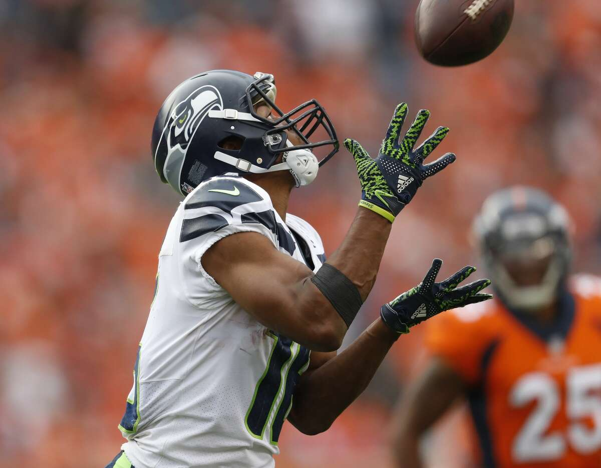 WHO STEPS UP AT WR IN BALDWIN'S ABSENCE? The Seahawks will need a collective effort from their pass catchers to make up for the production of one of football's best slot receivers. Baldwin sprained the MCL in his right knee in the season opener at Denver and his timetable for return is uncertain; that on top of the unspecified left knee injury he was already battling. Tyler Lockett, fresh off a multi-year extension, appeared poised to assume No. 1 target duties in the Broncos game (three repection, 59 yards), but guys like Brandon Marshall and Jaron Brown will need to step up, too. Carroll also hinted at the possibility of using running back C.J. Prosise more on the outside as a receiver (he played wide receiver in his three seasons at Notre Dame).